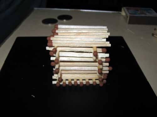 Делаем домик из спичек