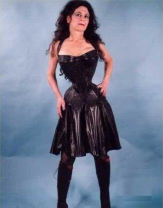 Женщина с самой узкой талией в мире